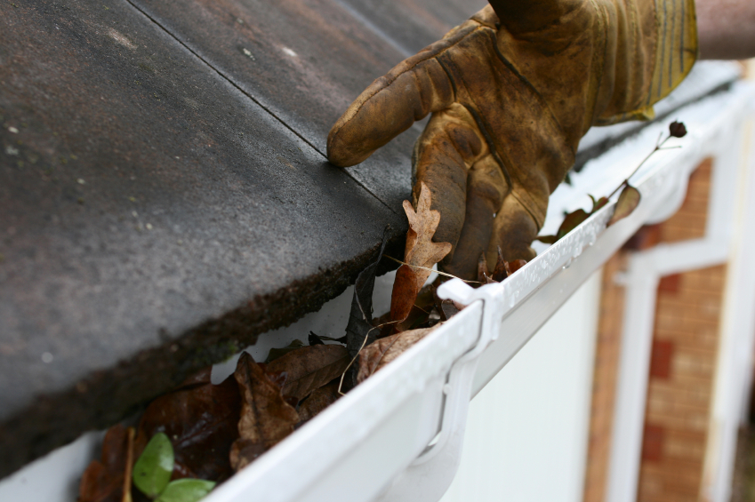 cleaning a gutter
